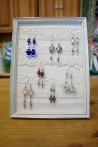 Picture frame and lace earring display tutorial