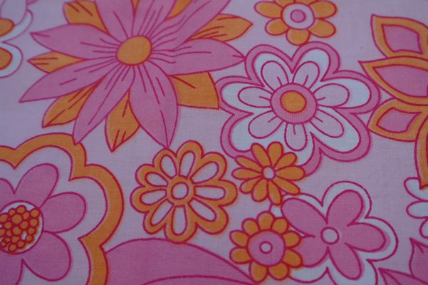 Vintage floral fabric. Winfield of Woolworths, 1963-1983.