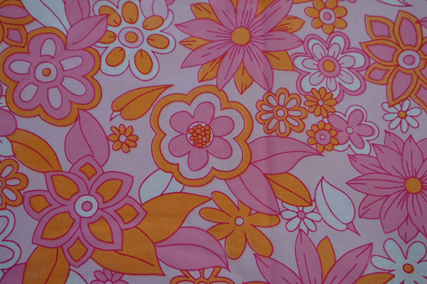 Vintage floral fabric. Winfield of Woolworths, 1963-1983. 1970s vintage fabric.
