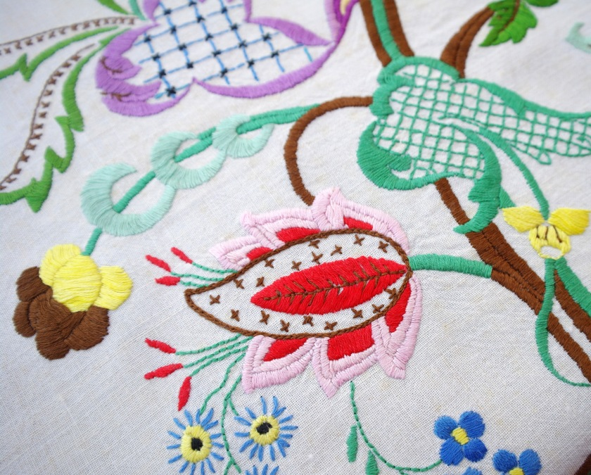 Vintage crewel embroidery. Floral embroidery. Vintage embroidered flowers.
