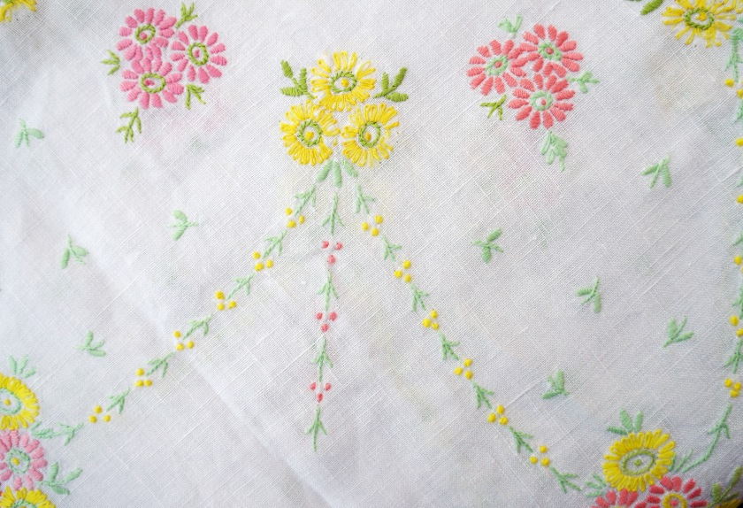Vintage emroidered tablecloth. Vintage floral embroidery. Flowers. Shabby chic home decor.