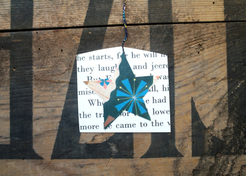 Halloween or Christmas garland craft idea. Upcycled decorations.